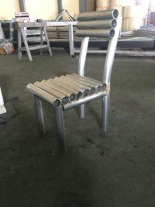 48.6mmパイプで椅子