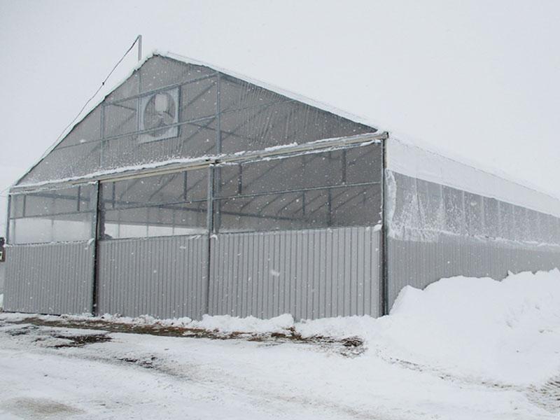切妻型屋根なので、屋根に雪は溜まりません