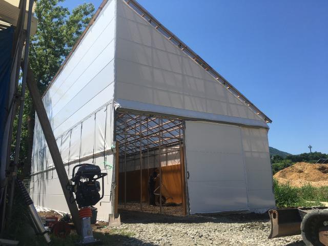 簡易厩舎 片屋根